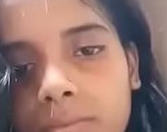 Desi Girl Showing Nude Part 2