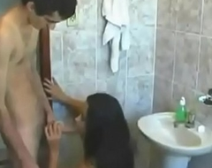 young Indian sister sex in bathroom withy slim kinsman