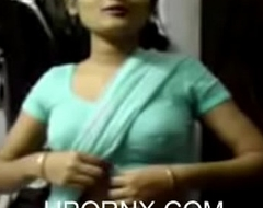 Indian Unfocused in Saree seducing (new)