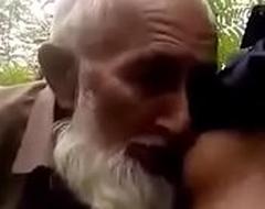 Desi muslim joyous daddy swell up nipple with introduce